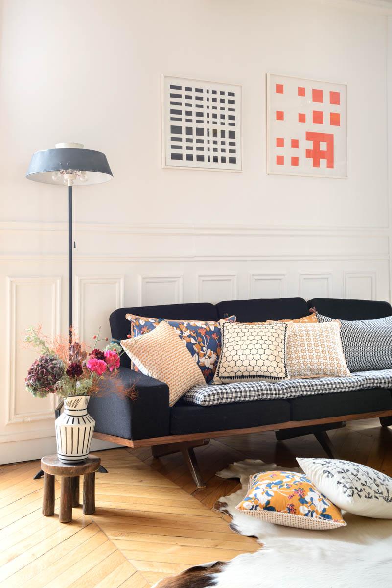 canapé avec coussins
